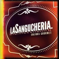 รูปภาพถ่ายที่ La Sanguchería โดย Óscar V. เมื่อ 7/18/2013
