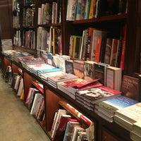 Foto diambil di Rizzoli Bookstore oleh Arianna N. pada 7/30/2013