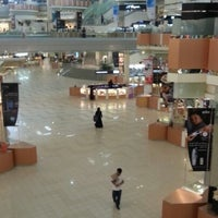 Photo taken at Kingdom Centre by Malek R. on 2/24/2013
