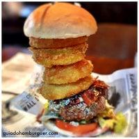 Foto tirada no(a) Buddies Burger & Beer por Guia do Hambúrguer em 8/22/2013