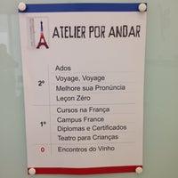 Photo taken at Aliança Francesa by Maira T. on 8/9/2014