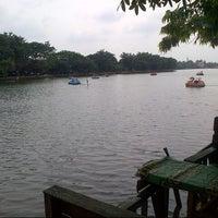 Снимок сделан в Setu Babakan Kampung Budaya Betawi пользователем Yun E. 12/13/2014