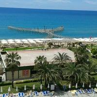 4/20/2013 tarihinde Дмитрий К.ziyaretçi tarafından Lyra Resort Hotel'de çekilen fotoğraf