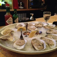 Photo prise au Legal Sea Foods par Erica F. le12/21/2012