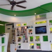 Photo taken at XTREME - Cellphones, Support & Accesories by Carlos R. on 8/31/2013