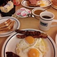 Снимок сделан в IHOP пользователем Luis Clemente C. 3/29/2013