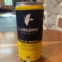 Foto scattata a La Colombe Coffee Roasters da Tom M. il 10/9/2018