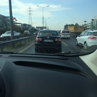 Photo taken at E-57 Bahçeşehir - Bakırköy by Sin@n🚘🔞⛔️6⃣1⃣ B. on 4/21/2016