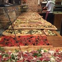 6/27/2018 tarihinde Natali B.ziyaretçi tarafından Pazzi X Pizza'de çekilen fotoğraf