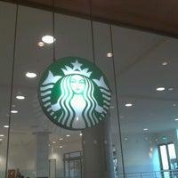 1/12/2013 tarihinde Deniz T.ziyaretçi tarafından Starbucks'de çekilen fotoğraf
