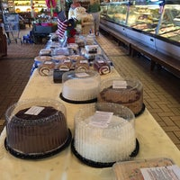 Photo taken at Hoffmans Quality Meats by Mari S. on 7/2/2016