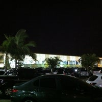 Photo taken at Ilha Shopping by Leandro R. on 1/30/2013