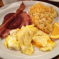 Photo taken at Cracker Barrel Old Country Store by Lisa M. on 3/28/2013