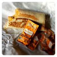 Photo taken at Taco Bell by Luna S. on 8/22/2014