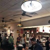 Das Foto wurde bei Joe's Pizza von ipleiie C. am 10/5/2018 aufgenommen