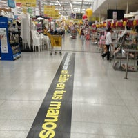 Photo taken at Centro Comercial Éxito 51B by Aland B. on 2/26/2013