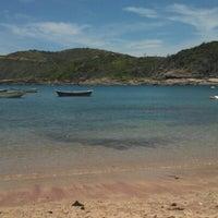 Foto tirada no(a) Praia do Forno por Leandro F. em 2/11/2013