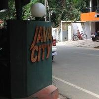 Photo taken at Java City by Nitish B. on 8/24/2013
