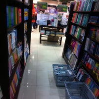 Photo taken at Harris Bookstore by Ainn_ on 3/28/2014