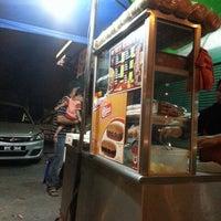 Photo taken at Gerai Taico Burger - Cawangan depan 99speedmart. by Izzi T. on 5/11/2013