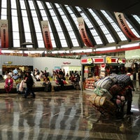 Foto tomada en Terminal de Autobuses de Pasajeros de Oriente (TAPO) por Inti A. el 12/20/2012