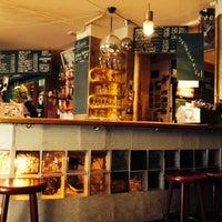 Das Foto wurde bei Café Morgenrot von Nora A. am 8/25/2014 aufgenommen