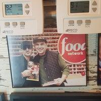 Foto scattata a Champion Pizza da Joseph g. il 9/18/2017