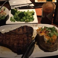 Photo taken at LongHorn Steakhouse by Melody A. on 8/23/2017