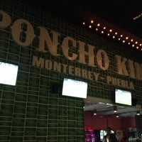 Foto tomada en Poncho Kings por Ricardo L. el 10/26/2013