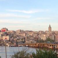 Das Foto wurde bei Mehreb Cafe von Hüseyin Ş. am 4/23/2013 aufgenommen