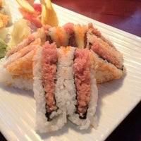 Photo taken at Thai Hana Restaurant & Sushi Bar by Rich F. on 12/29/2012