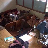 Foto scattata a SMA Negeri 25 Bandung da Maugi A. il 2/7/2013