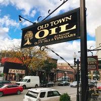 Photo prise au Old Town Oil par nao t. le10/30/2017