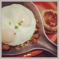 รูปภาพถ่ายที่ Le Peep โดย Dallas Food N. เมื่อ 5/11/2013