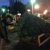 Photo taken at McMurtrey's Red-Wood Christmas Tree Farm by Ahmad C. on 12/15/2013