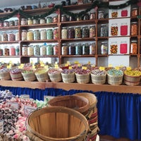 Photo taken at Buddy & Howie's Old Fashioned Sweet Shoppe by Ahmad C. on 6/10/2017