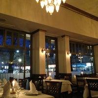 2/1/2013 tarihinde Vanessa ❤.ziyaretçi tarafından Restaurant Tuğra'de çekilen fotoğraf