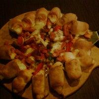 Photo taken at Pizza Hut by Rikki A. on 1/5/2013