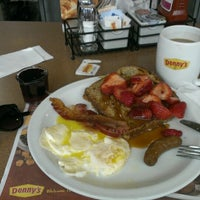 Photo taken at Denny's by Денис Б. on 6/14/2014