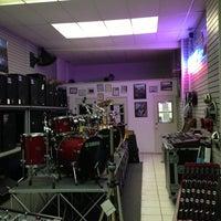 Photo taken at Showcase Music and Sound by LLCoolShaun on 8/23/2013