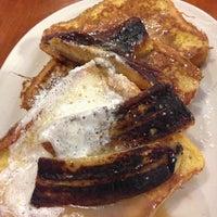 Photo taken at Linda Jean's Restaurant by Morayo K. O. on 5/25/2014