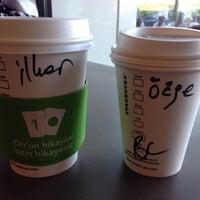 7/6/2013 tarihinde Ozge .ziyaretçi tarafından Starbucks'de çekilen fotoğraf