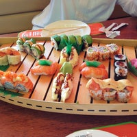 Photo taken at Sushi Yoshi by Mohammed A. on 5/29/2013