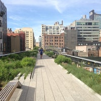 Photo prise au High Line par IFLYtheworld.com le6/5/2013