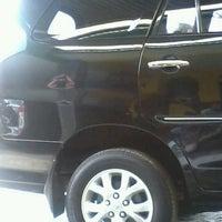 Photo taken at Sewa Mobil Spesial VIP Class by masfebri 'Abirama' i. on 3/28/2013