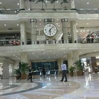 Foto tirada no(a) Plaza Senayan por Arianto J. em 10/30/2012