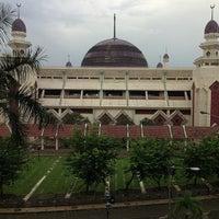 Photo taken at Masjid Agung At-Tin by Pradipto N. on 4/8/2013