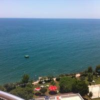 Photo taken at Özde Tatil Sitesi by Mustafa G. on 7/27/2013