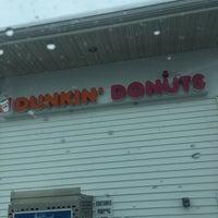 รูปภาพถ่ายที่ Dunkin' Donuts โดย Mark เมื่อ 4/1/2017