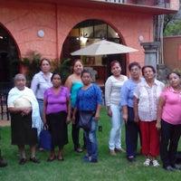 Foto tirada no(a) Posada Nican Mo Calli por Laura O. em 5/15/2014
